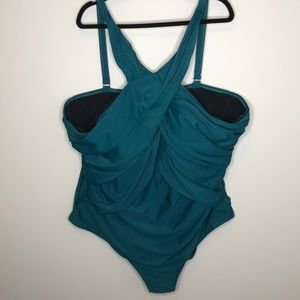 SWIMSUITS FOR ALL jade crossover gathered swimsuit